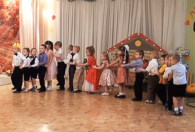 """Подвижная игра для детей """"Сороконожка"""""""